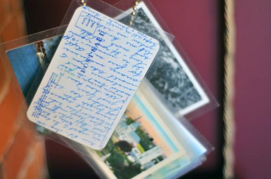Gladstone Hotel: postcards