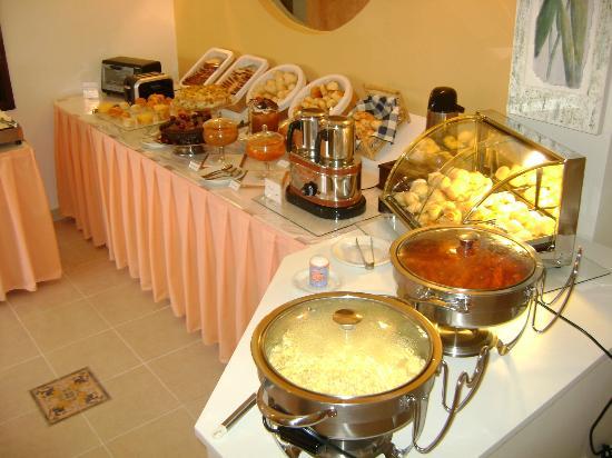 Hotel Costa Balena: Café da manhã