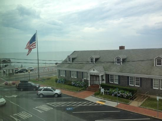 Martha's Vineyard Surfside Motel: ocean side view from the room