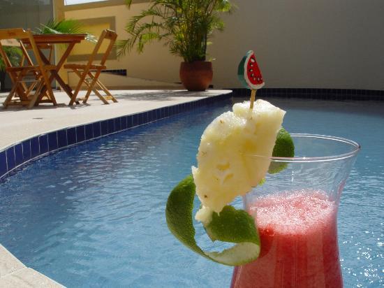 Hotel Costa Balena: Piscina aquecida