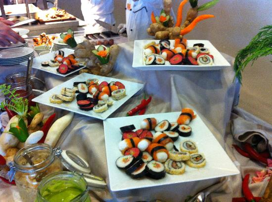 Palazzo del Mare: Sushi at dinner in buffet