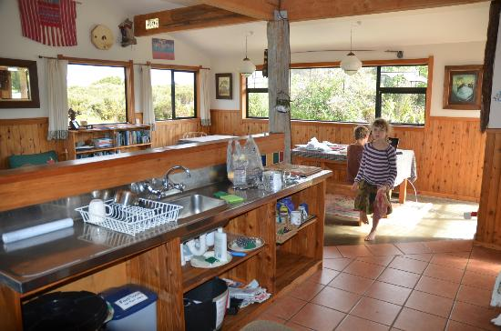 Beaconstone: Küche, sauber und funktionell eingerichtet