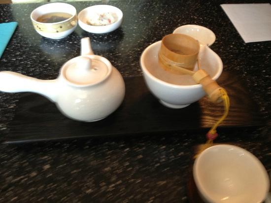 J Korean Restaurant : Green tea