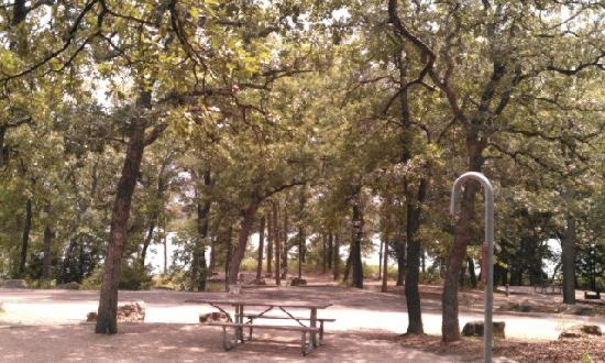 Chickasaw National Recreation Area: nice camp/RV sites...