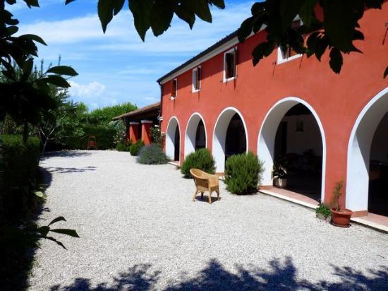Agriturismo Le Rondini a Padova: Una foto del porticato