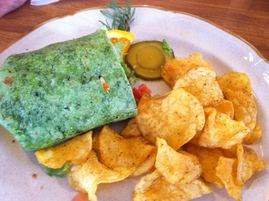 Storiebook Cafe: wrap with chips, excellent!