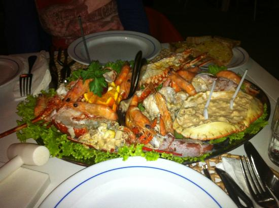 A Lagosteira: a plate for two, shrimps and sauces tasted bad