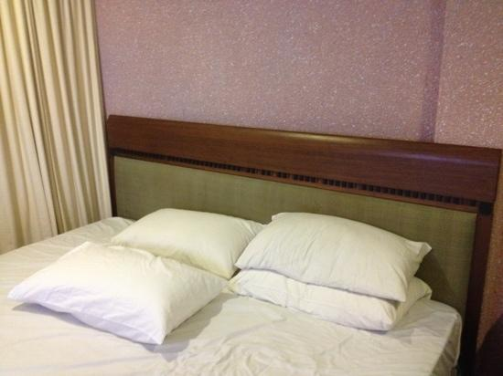 Hotel Travel Inn: king size bed