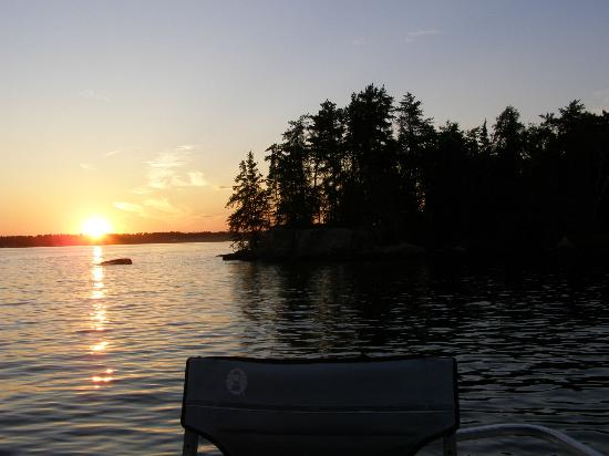 Inverness Falls Resort: Sunset on Brereton Lake