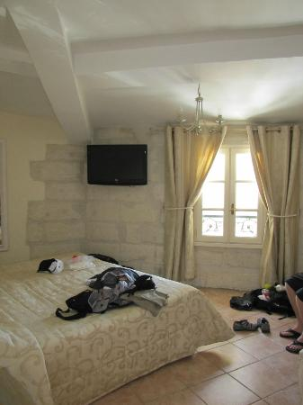 Hotel du Palais des Papes : Very nice room