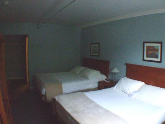 The Adventure Hotel: 1. Room
