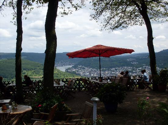 Sesselbahn in Boppard: Cafe overlooking Rhein