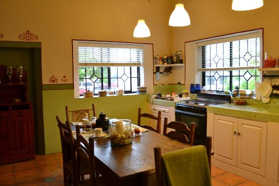 Casa Verde Inn: sala&cucina