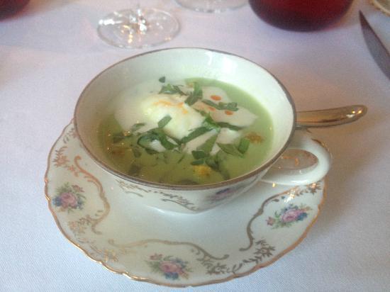 La Raison Gourmande : Entrée froide, soupe de pois.