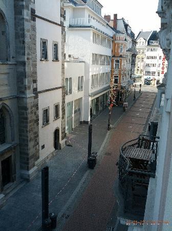 Beethoven Hotel: Blick aus dem Fenster in die Fussgängerzone vor der Tür