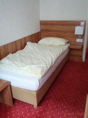 Beethoven Hotel: Einbettzimmer: überschaubare Grösse