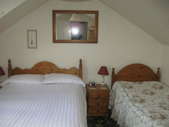 Links Side: Room