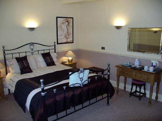 The Dodington Lodge: Our Deluxe Double Room One