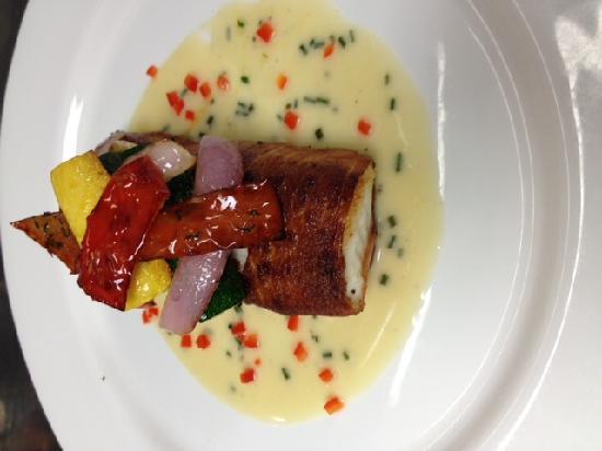 'Cesca Restaurante & Trattoria: Halibut Special.