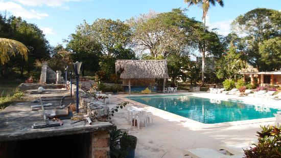Piramide Inn : Pool area