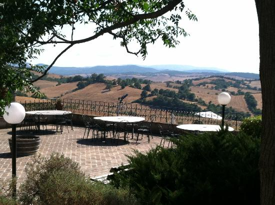Agriturismo Le Murelle : The terrace at Le Murelle