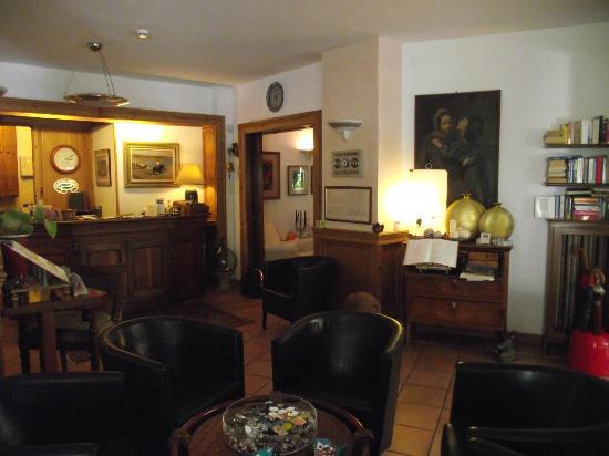 Piccolo Hotel: salone d'ingresso