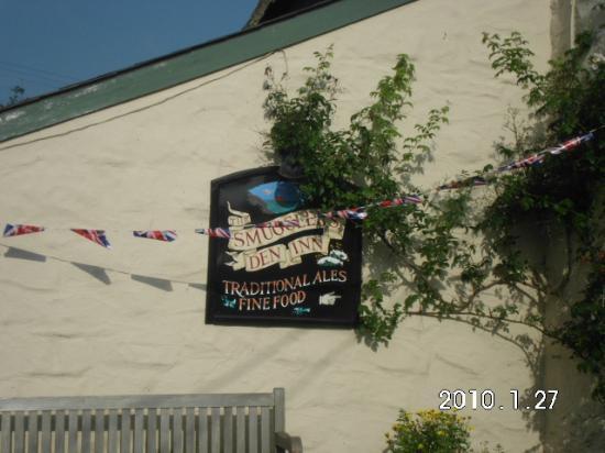 Smugglers' Den Inn: The Smugglers Den, Cubert, Cornwall