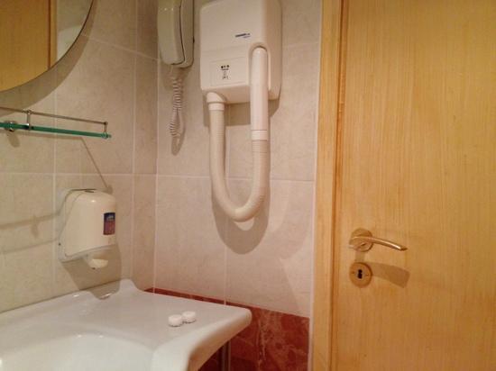 Mantas Hotel : μπάνιο
