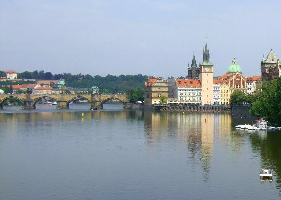 Personal Prague Guide - Private Tours : The Charles Bridge over the Vltava.