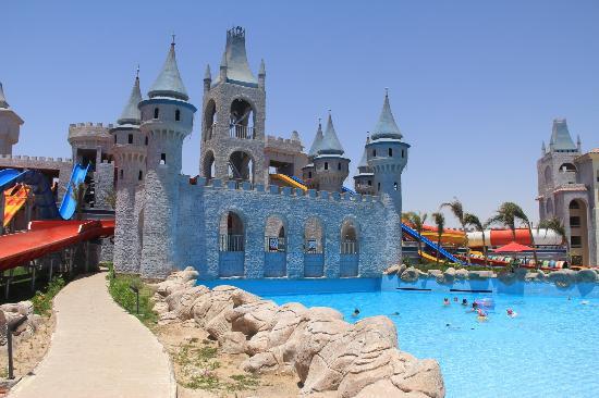 Serenity Fun City Resort: Aqua-park