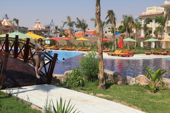 Serenity Fun City Resort: Piscine