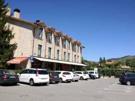 Hostal Granada: car park is free!