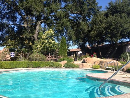 Paso Robles Inn: pool area