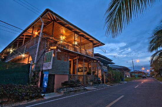 Hotel Lula's Bed and Breakfast: Welcome to your home in Bocas