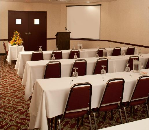 BEST WESTERN PLUS University Inn Steubenville : Meeting Room