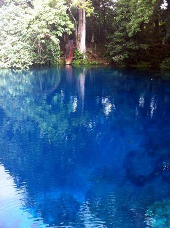 Nanda Blue Hole / Jackie's Blue Hole : The bluest water you'll ever see!