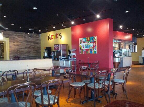 Newk's Express Cafe : interior view