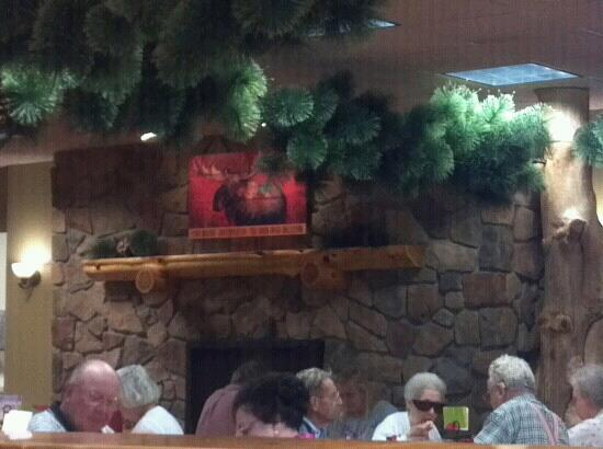 Nelson Brothers Restaurant & Bakery: Huge stone fireplace in dining area