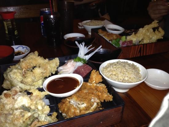 Miyo's : tempura and katsu combo plate