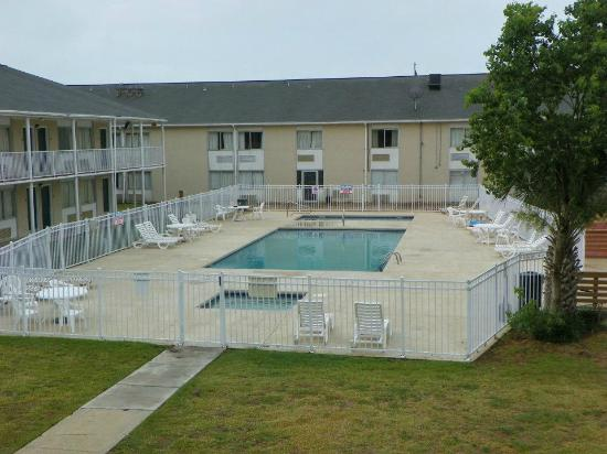 Super 8 Biloxi: Wishing I was still there...