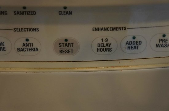 Treasure Island Resort Condominiums: Front of the dishwasher after the cleaners left