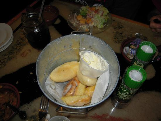 Blackbeards Inn: The bucket of rolls included with dinner are almost gone.