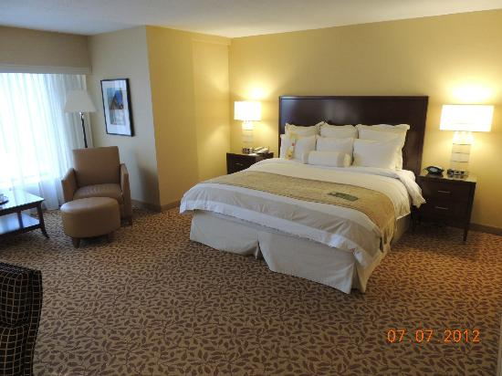Toronto Marriott Bloor Yorkville Hotel: Spacious and welcoming rooms