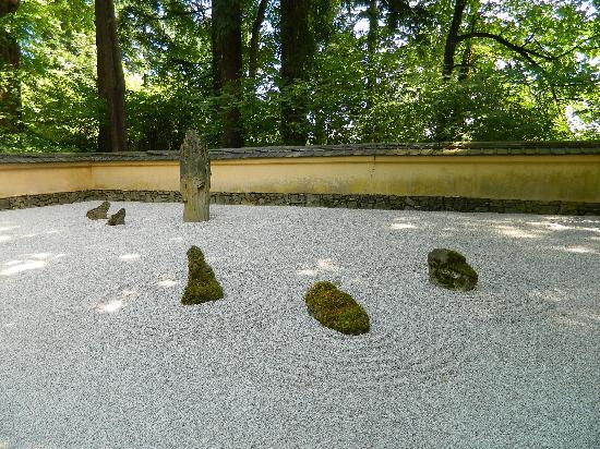 Portland Japanese Garden: Sand Garden