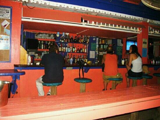 Amapola Inn: Enjoying a cocktail at Lazy Jacks.