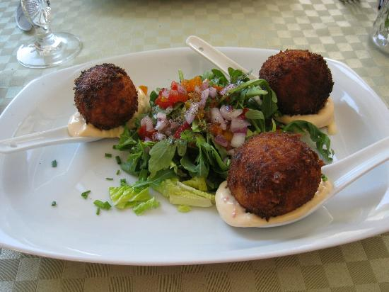 Milly's Restaurant: Crab Cakes