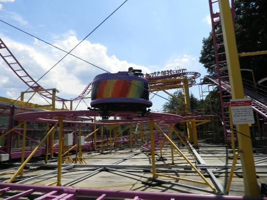 DelGrosso's Amusement Park: roller coaster 