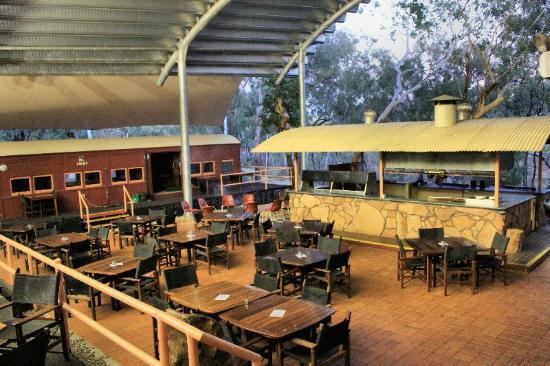 Undara Experience: Undara Central - Bar, Restaurant, Coffe Lounge etc. Undara Wilderness Lodge