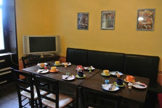 Mezcalero: eating area and lounge