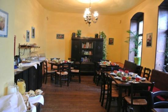 Mezcalero: eating area